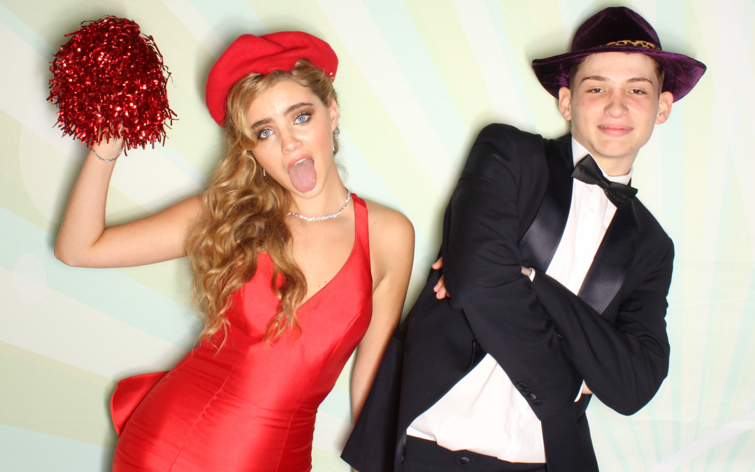 Why hire a photobooth for your school prom